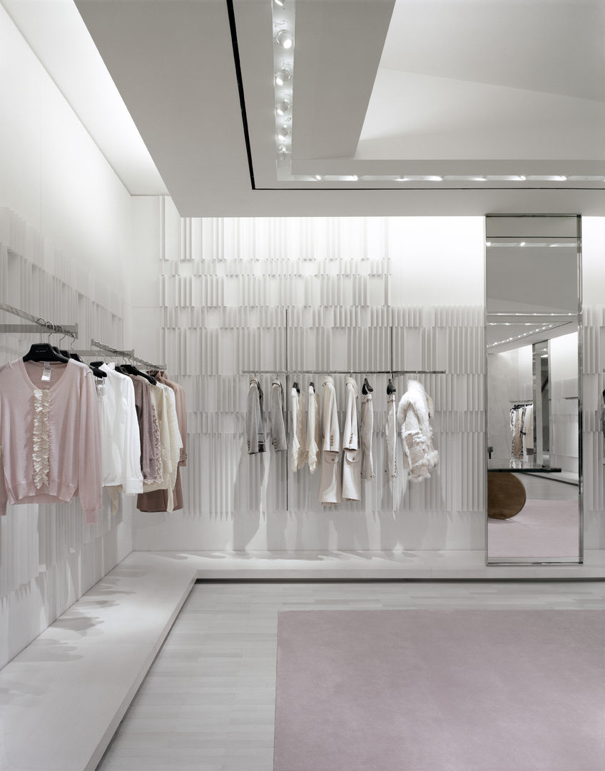 Holt-Renfrew_Designer-Floor_934