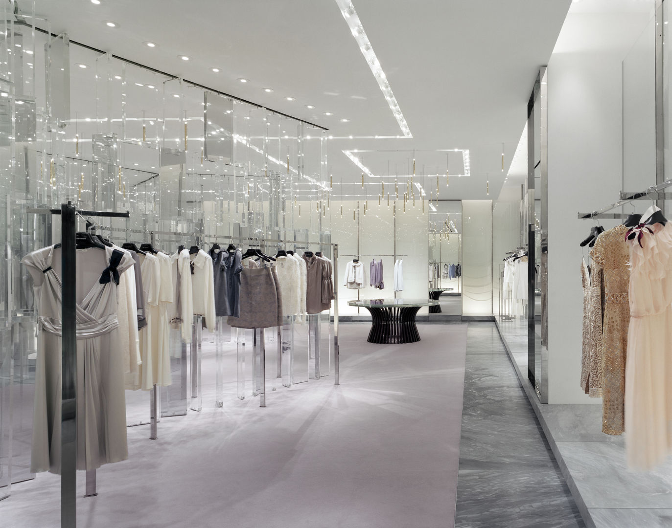 Holt-Renfrew_Designer-Floor_941