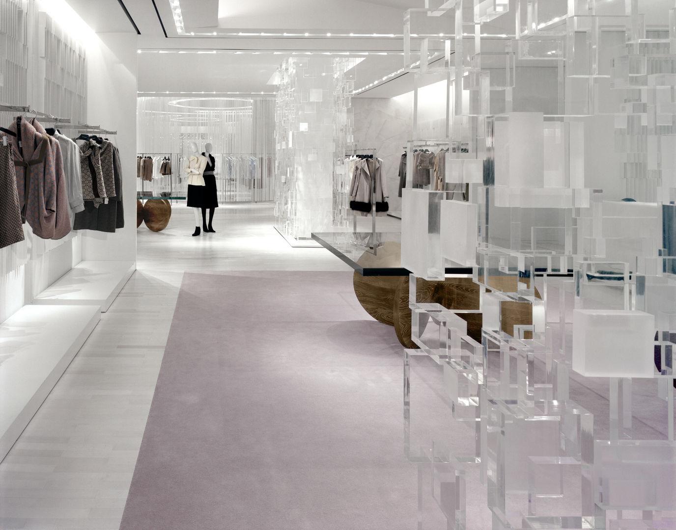 Holt-Renfrew_Designer-Floor_936