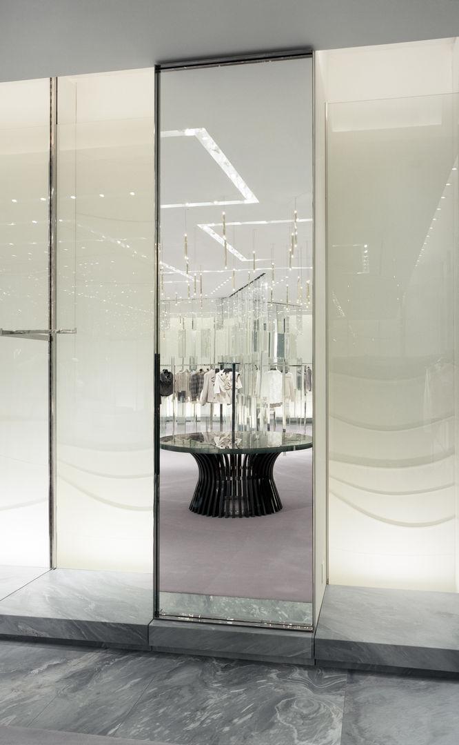 Holt-Renfrew_Designer-Floor_938
