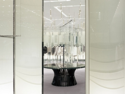 Holt-Renfrew_Designer-Floor_938